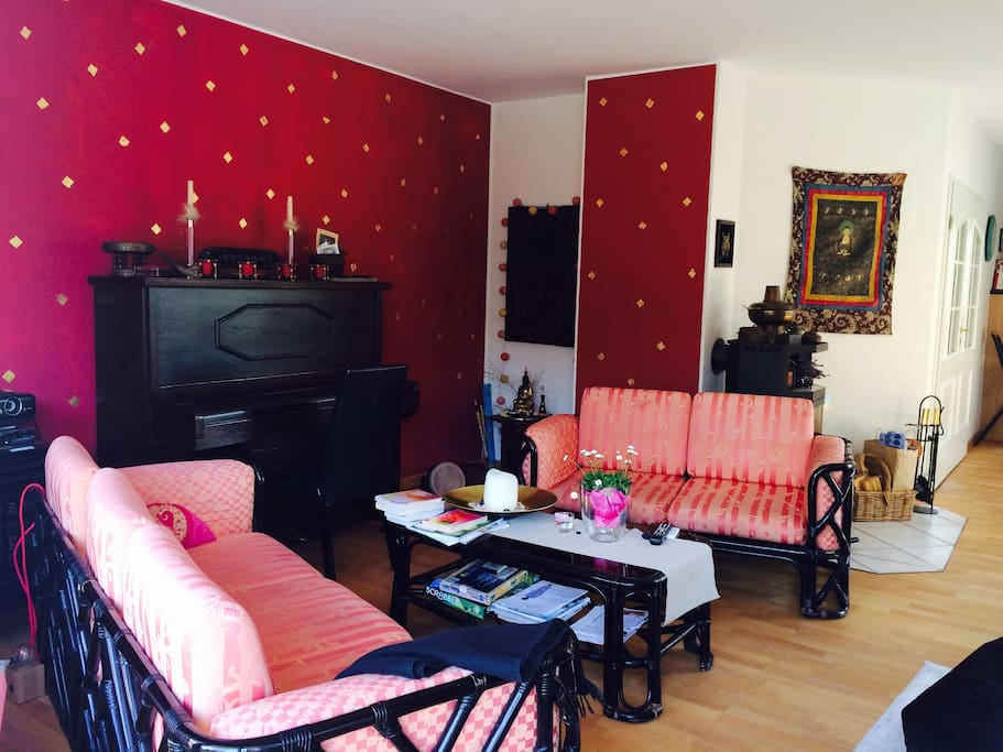 living-room w/piano