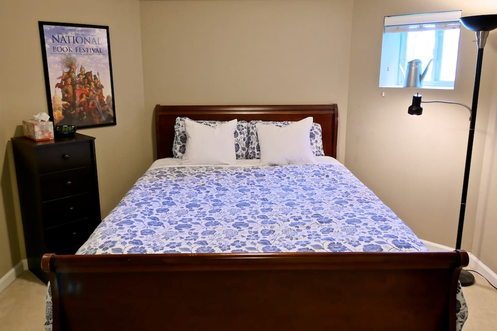 A welcoming bedroom.  Queen size bed.  I don't know why the blue is so intense, I think my camera operator was confused.