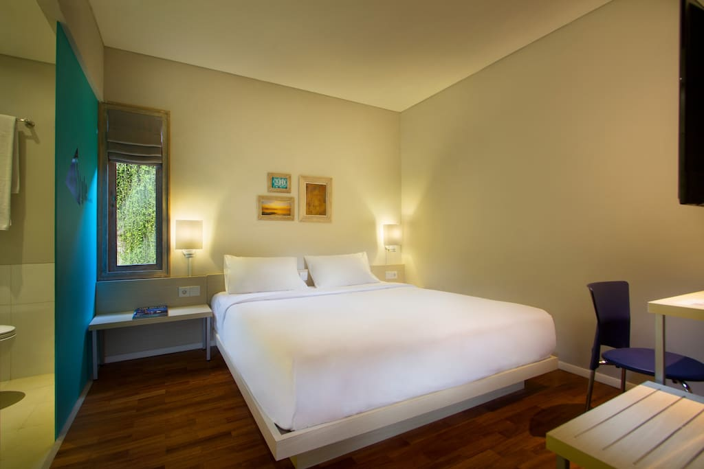 Guest room with double bed option