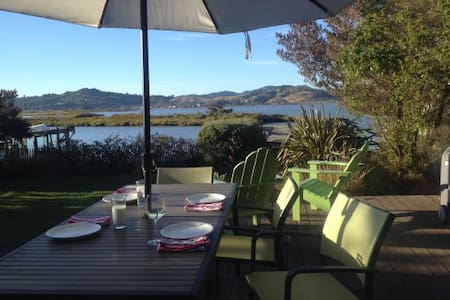 Waterfront in Marin - Corte Madera - Maison