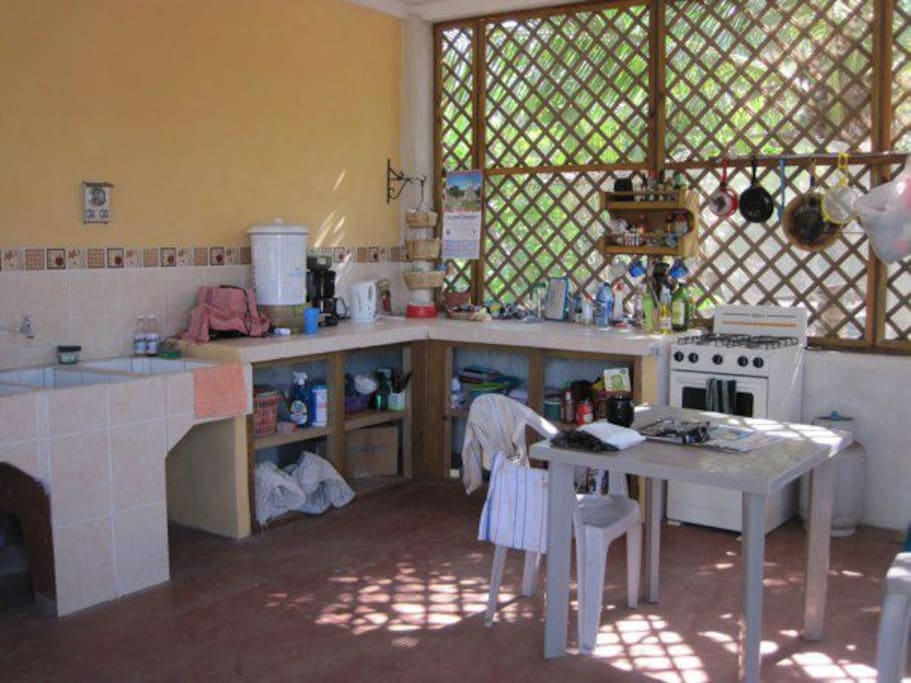 Fully equipped with pila, stove, and fridge