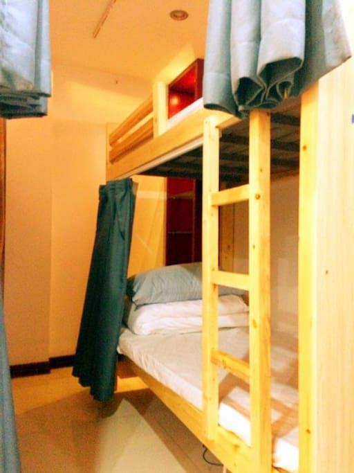高低铺床位