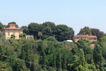 Camera con vista in Villa/ Room with a view - Santa Maria A Monte
