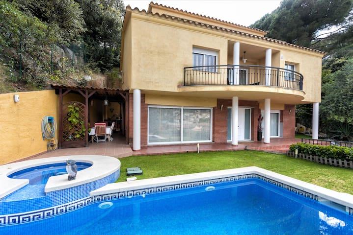 B&B en casa mediterránea (ideal familia)