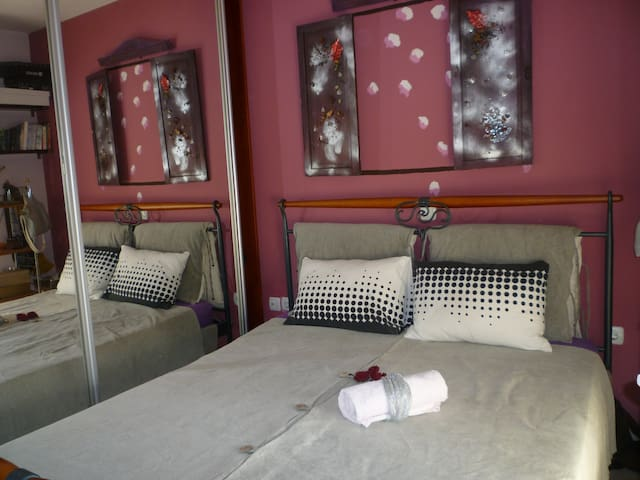 double bed -bedroom