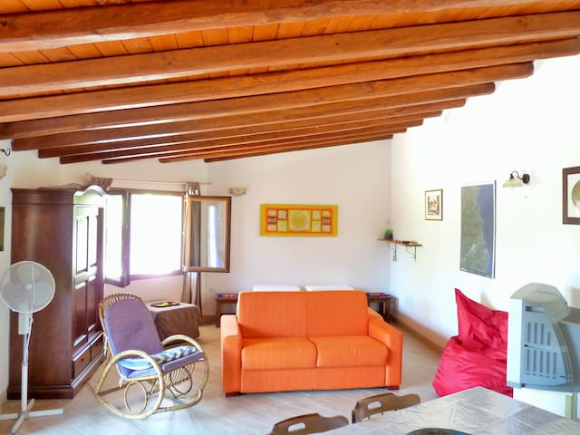 New builded bungalow with garden - La Caletta