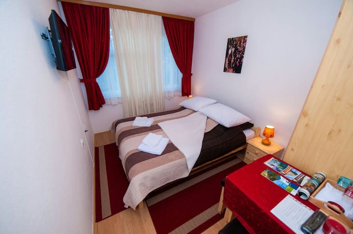 Room for 2 in the center of Bihac - Bihać - Apartment