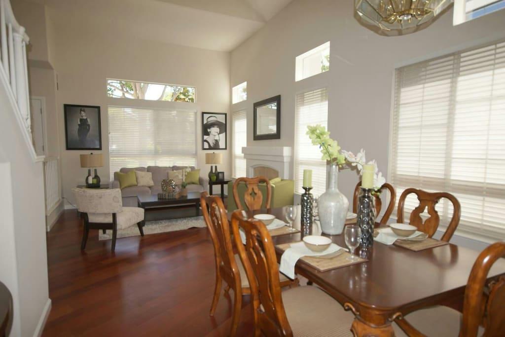 Formal living room/ dining