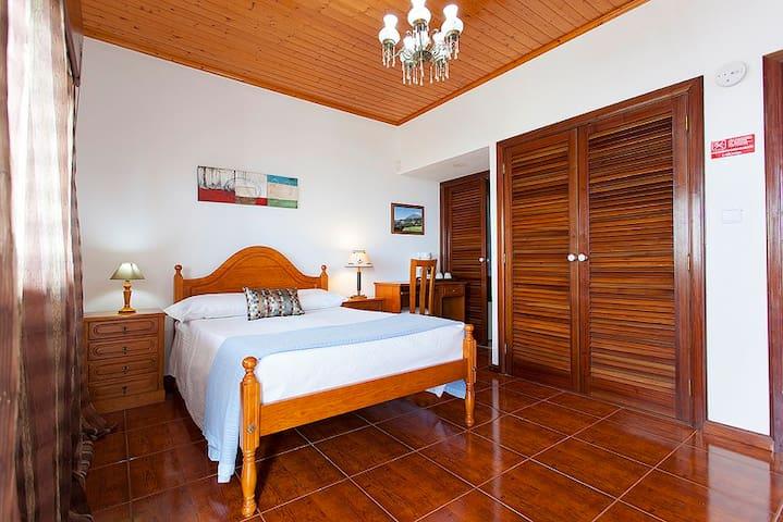 Suite-Nathan @ Miradouro da Papalva - São João, Lajes do Pico - Oda + Kahvaltı