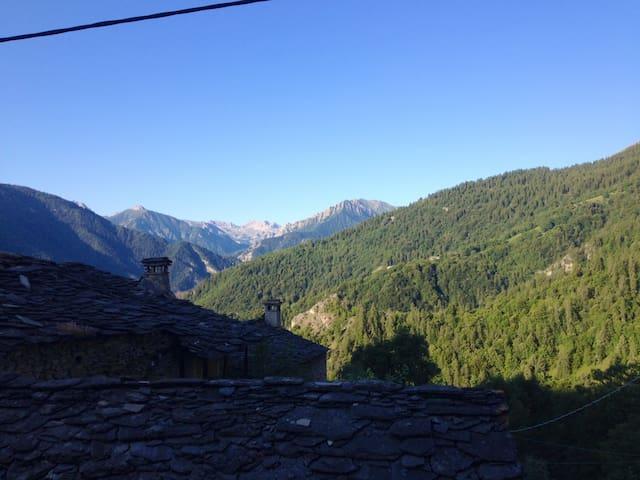 Accogliente Baita di Montagna - Cucchiales