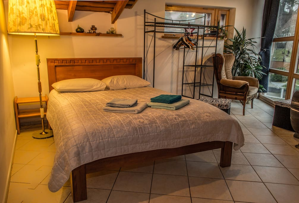 Fully furnished and cosy rooms with great view of surrounding scenery