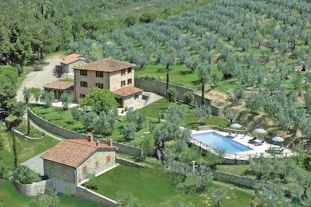 Le Capanne-Amazing stone villa - Castiglion Fiorentino