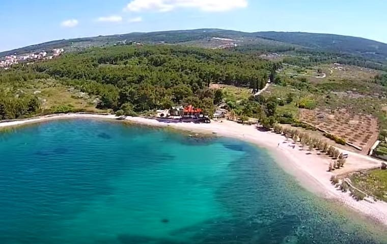 Beachfront Villa with Pool, 8 pax - Mirca - Haus