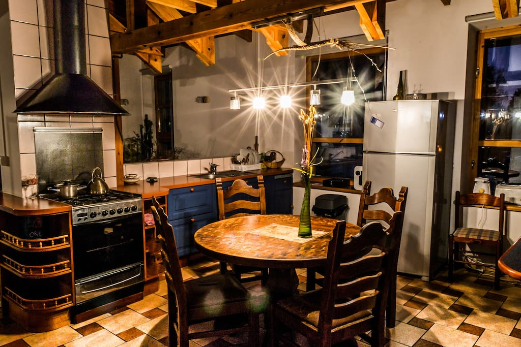 Fully equipped common kitchen available for all the guests.