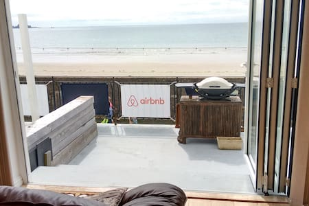 Large double in Beachside Apartment. - Jersey