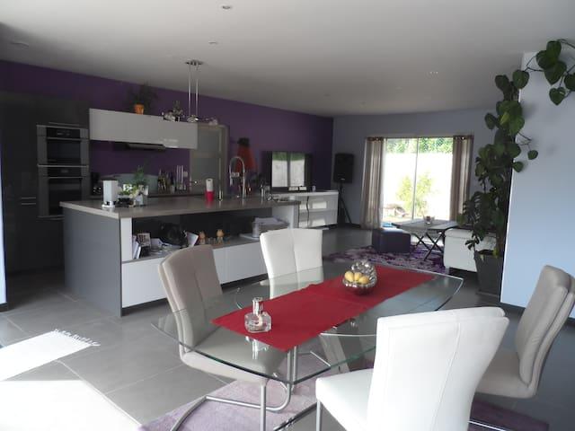 maison moderne au coeur de la Provence verte - Brignoles - House