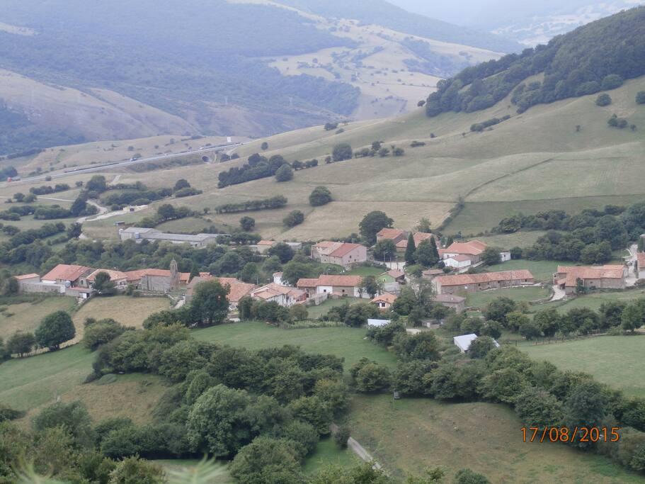 Casa rustica en pueblo de monta a holiday homes for rent - Casa rustica cantabria ...