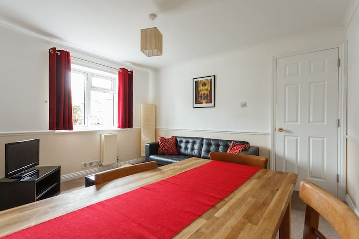Central but quiet, comfy 1 bed flat - Salisbury - Apartemen