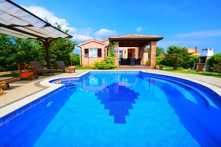 Beautifull Holiday Home with big pool  Istria - Krančići - Vila