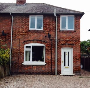 Comfortable Family Home - Chester - Rumah