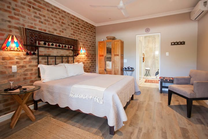 Luxury Queen Room - Oudtshoorn - Bed & Breakfast