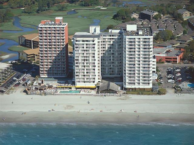 Sands Ocean Club Spacious 2 Bed,2 bath on Shore dr