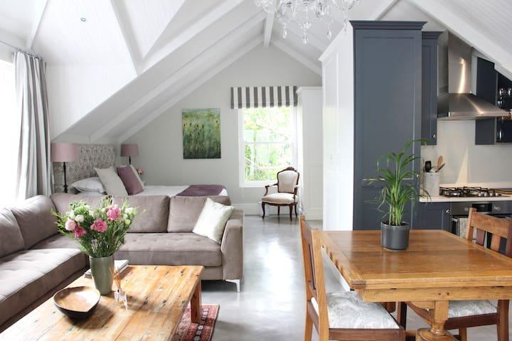 Constantia Klein Loft Apartment - Cape Town