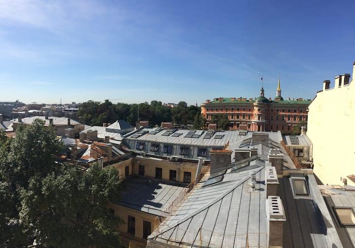 位于圣彼得堡的历史中心的一套房!