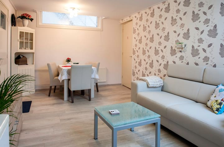 Nice house 4 min from the beach close to Amsterdam
