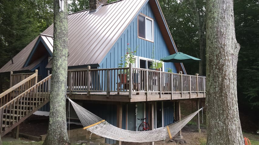Entire Cozy Chalet 5 min from Uconn - Mansfield