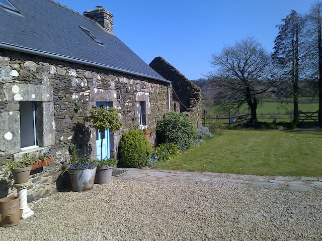 beautiful bretton stone cottage - Laz - House