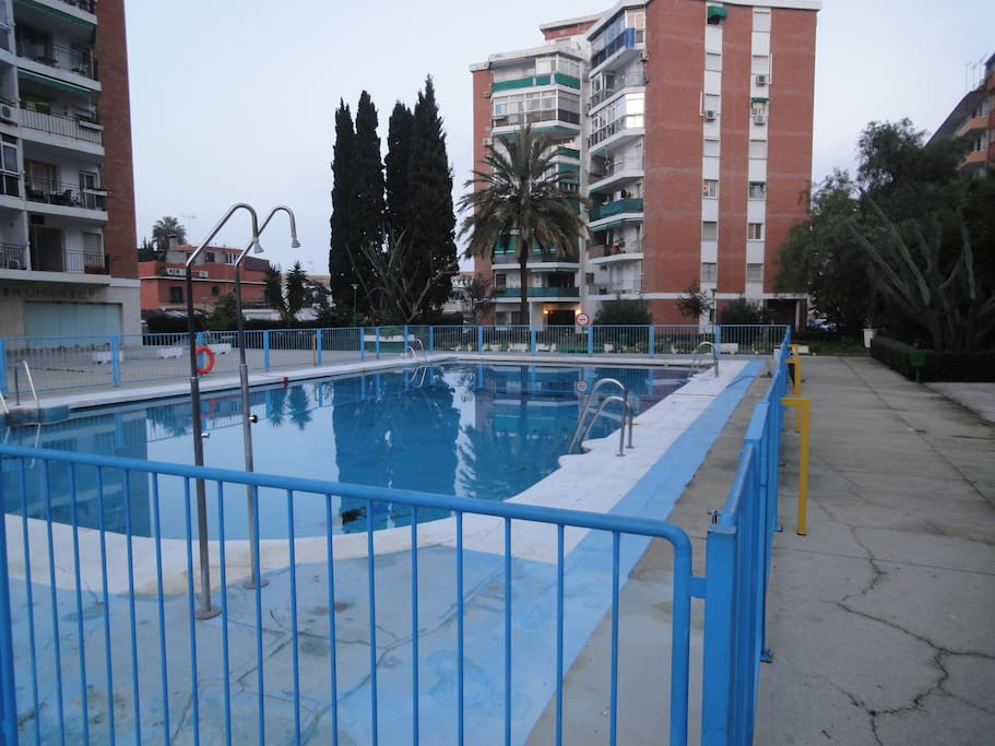 centro de torremolinos con piscina apartments for rent