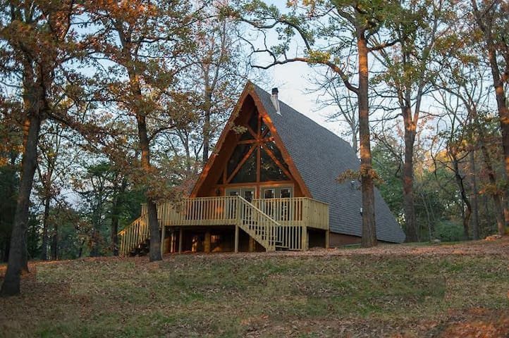 Murray's Cabin in The Ozarks - Harrison - Blockhütte
