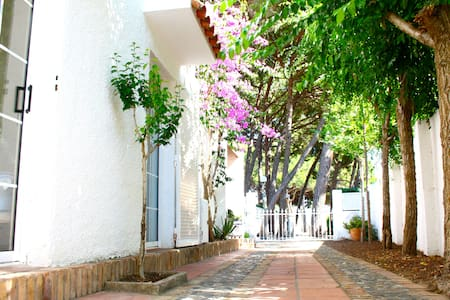 Lovely villa next to the beach      - Cambrils - Villa