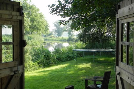 Romantisch huisje aan 't water - Cabin