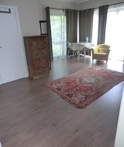 spacious room - 7km to Brussels - Overijse - House