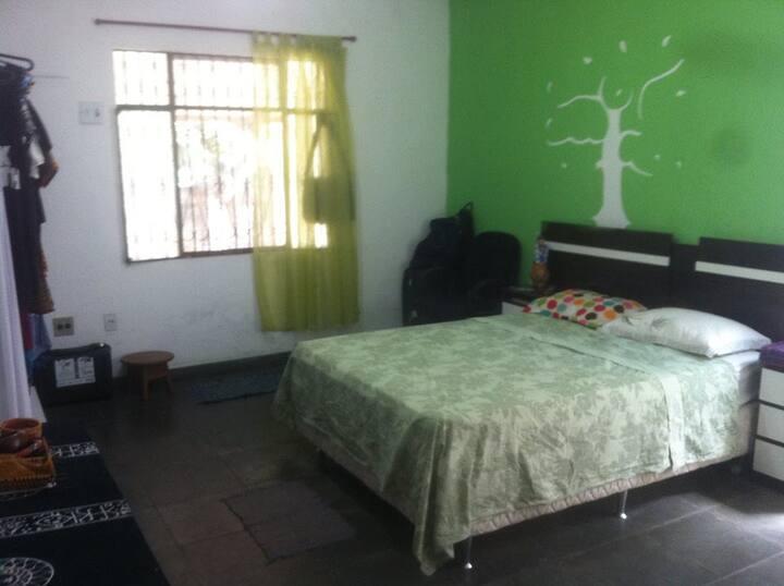 Aluguel de quarto - Conj Acariquara