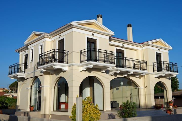 ILIDA KOUROUTA STUDIOS - Kourouta - Leilighet
