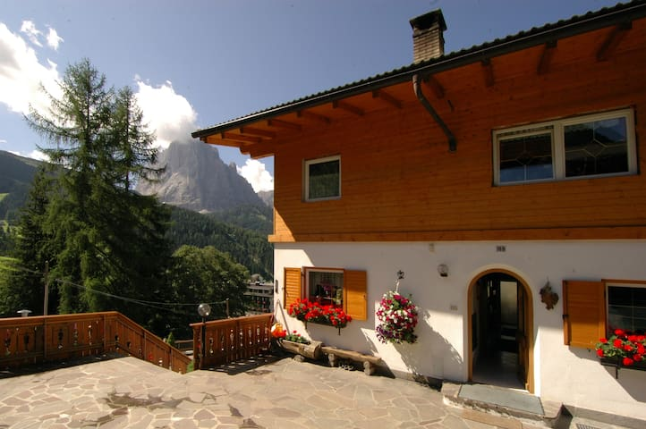 Apartments Praverd in the Dolomites - Santa Cristina Gherdëina