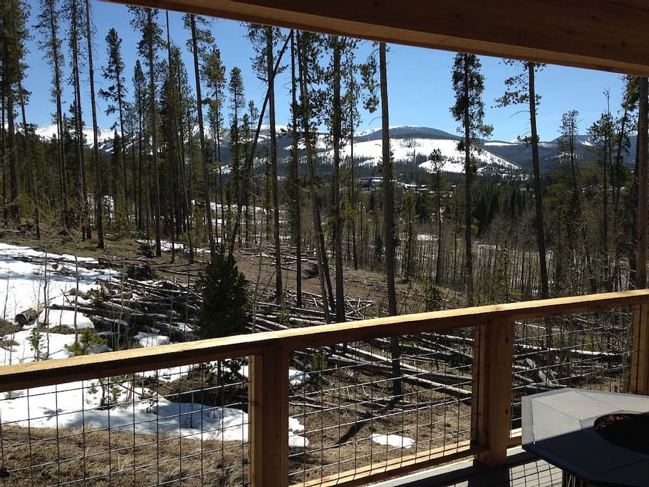 Sweeping views of Winter Park and Arapahoe Nat'l Forest from the back deck