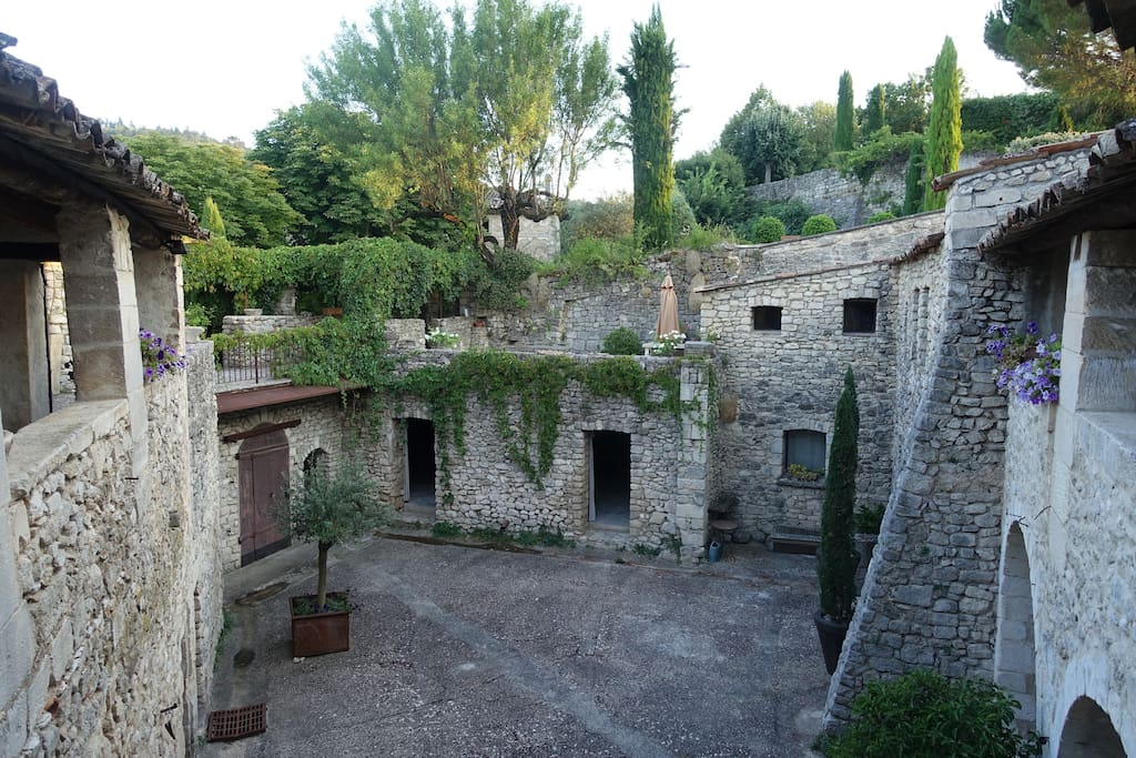 View of medieval courtyard from 1st floor gallery