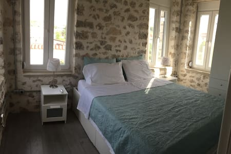 Stone Family Home in quaint town - Filiates - Talo