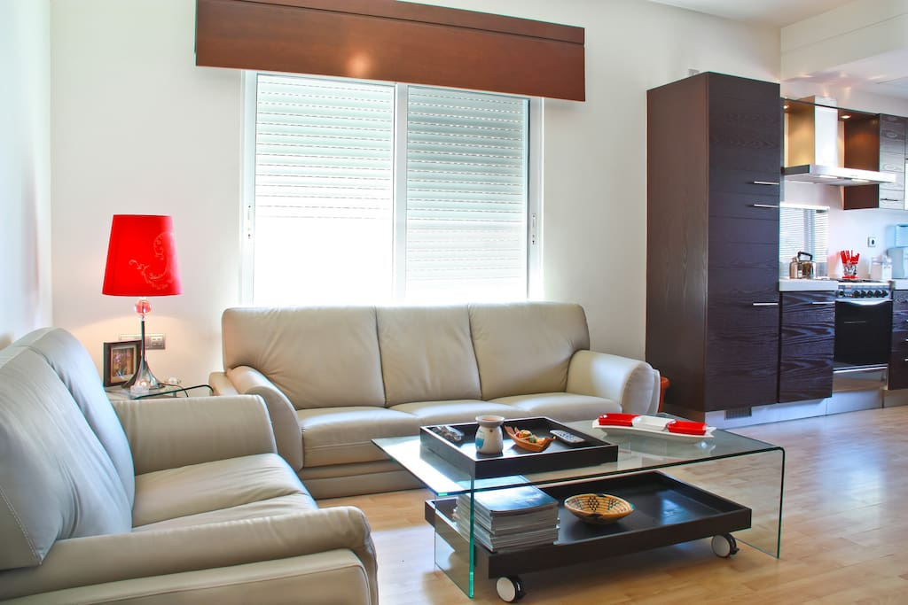 Neat Modern Suite, Near US Embassy