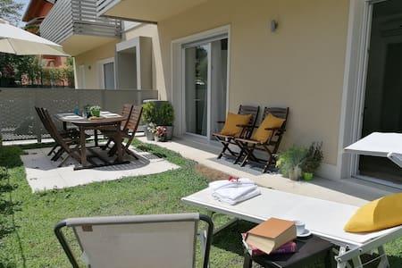 Nuovissimo Eco Apartment Garden in cortile privato