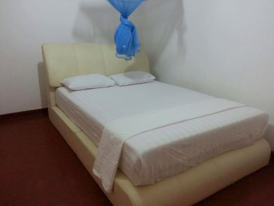 Double Bed Room / Bed
