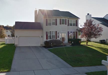 Clean and updated 4 bedroom home - Gloucester Township