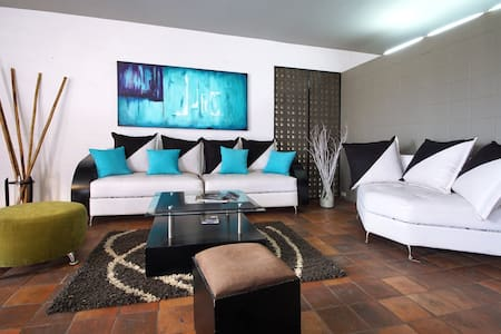Cali Colombia Modern Loft in Oeste - Cali - Apartment