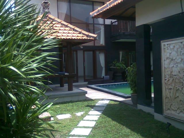Padonan Canggu Villa - Penebel