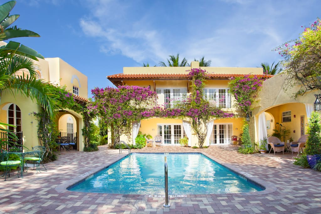 King Queen Deluxe Private Suite Bed And Breakfasts For Rent In West Palm Beach Florida