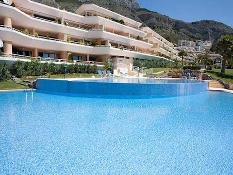 ASHANTI BAY LUXURY GOLF APARTMENT ALTEA